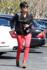 blog-KrisJenner-pinkpants-jpg_003429